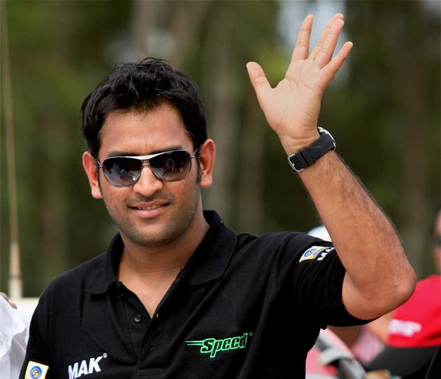 Delhi Police books man for stealing MS Dhoni's phones