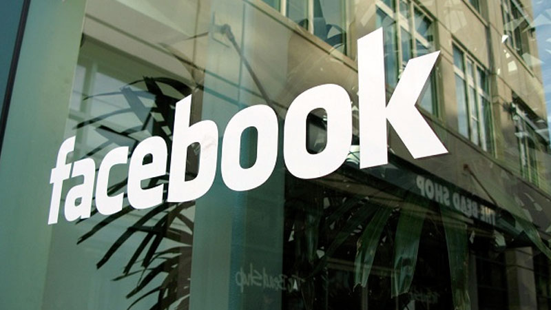 Facebook likely to announce consumer hardware products in April