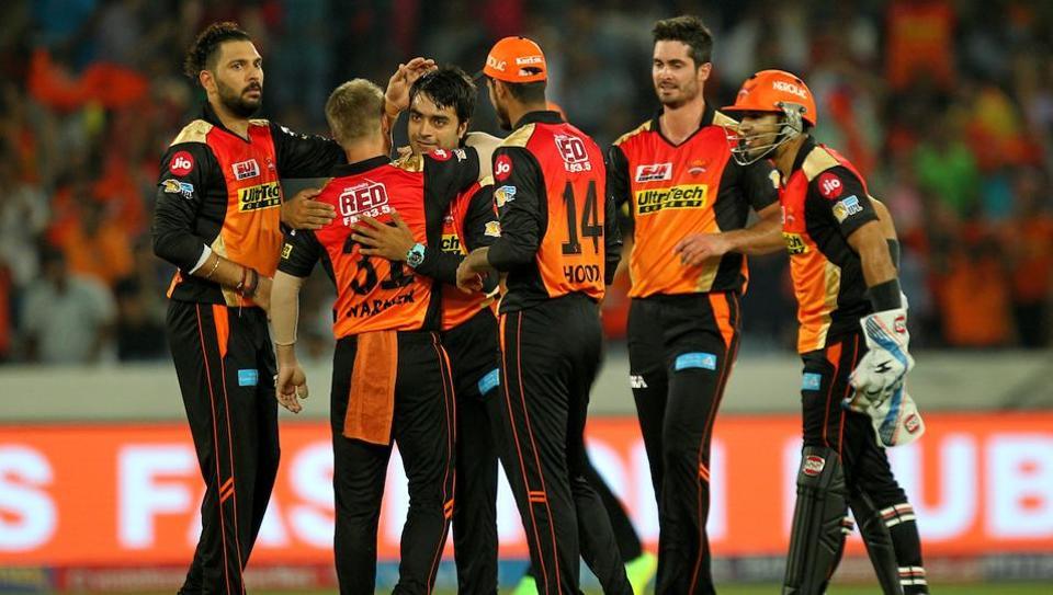 IPL 10: Williamson heroics help Hyderabad to beat Delhi by 15 runs