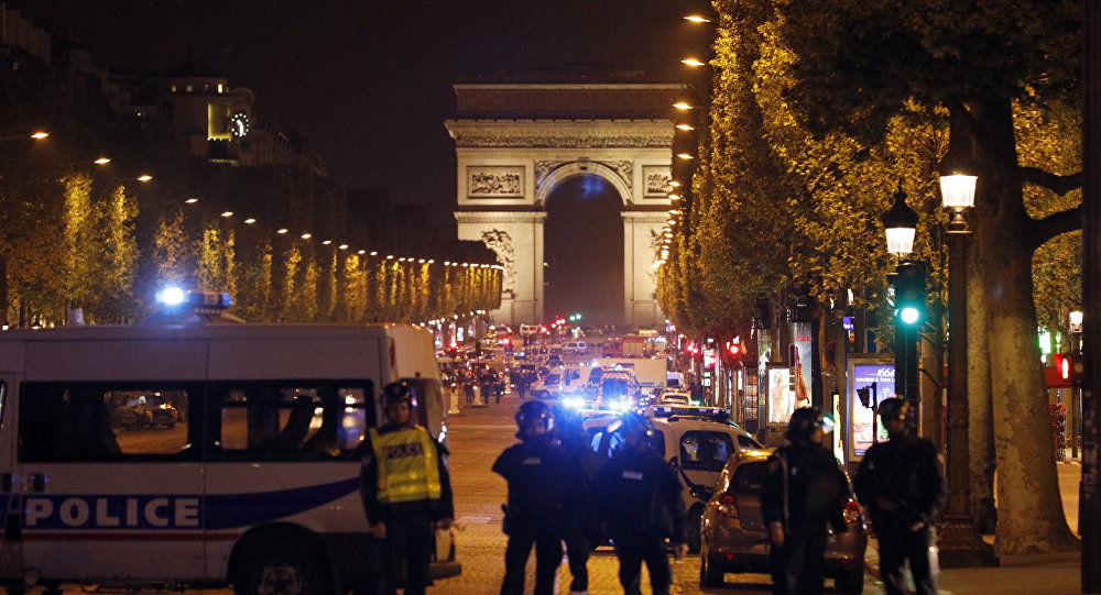 Paris shooting: One police officer killed, two seriously injured in shooting on Champs-Elysees; ISIS claims attack