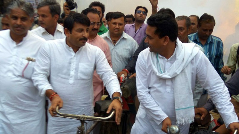 BJP's Manoj Tiwari with Kapil Mishra