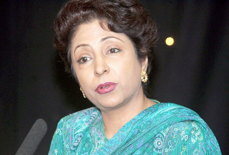 Pakistan's Permanent Representative Maleeha Lodhi has raised the Kashmir issue with UN Secretary-General and OIC at a meeting
