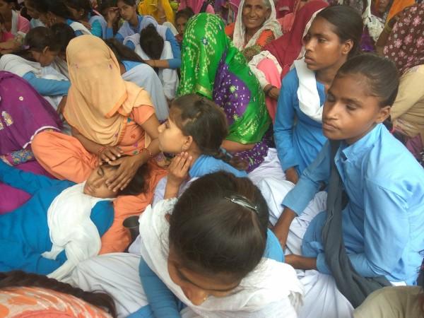 Rewari School Girls end protest after Khattar Govt notifies school upgradation