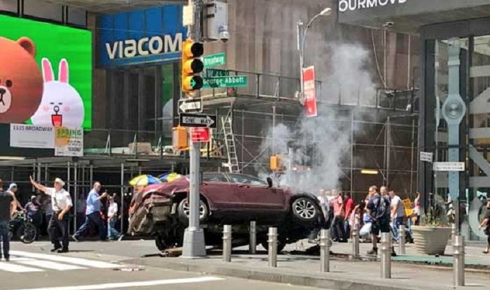 Times Square: Speeding car drives into crowd, kills 1, injures over 20; terrorism ruled out