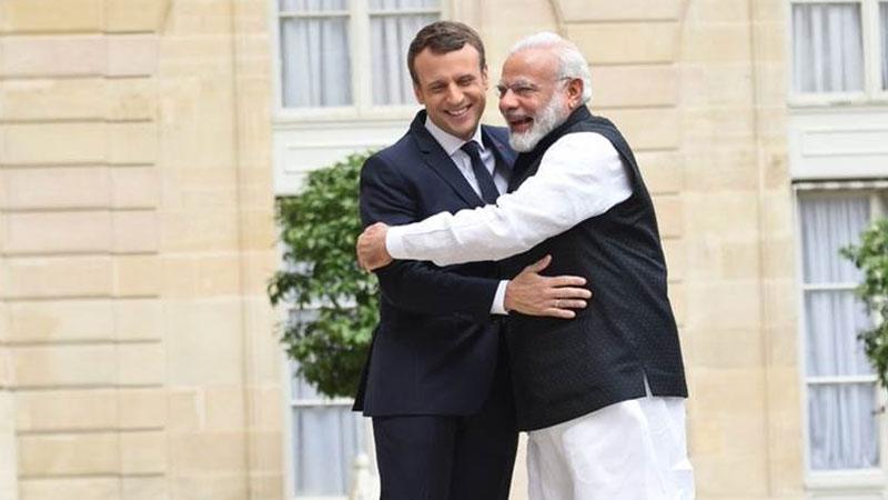 PM Narendra Modi meets French President Emmanuel Macron