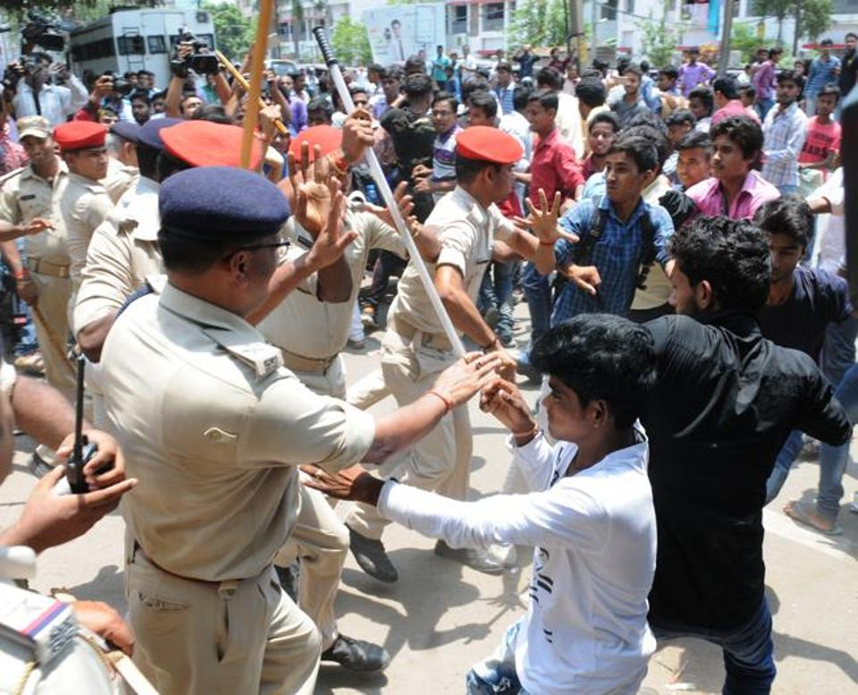Bihar Board Results 2017: Hundreds of Bihar Class 12 students protest against being failed, demand re-checking