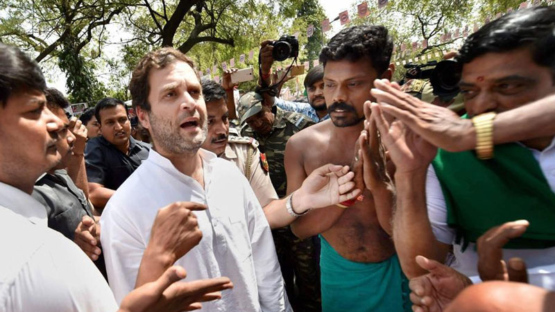 Rahul Gandhi accuses Modi of favouring rich, ignoring farmers
