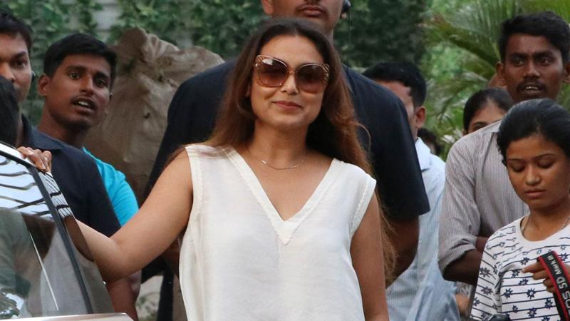 Rani Mukerji makes 'Hichki' wrap special for cast