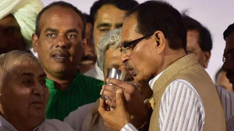 Madhya Pradesh Chief Minister Shivraj Singh Chouhan on Sunday ends his indefinite fast