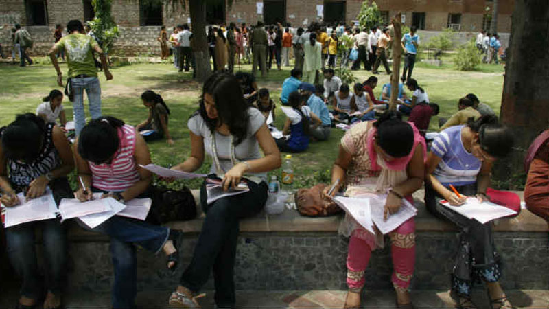 Delhi University admission 2017 process ends with 2.2 lakh aspirants