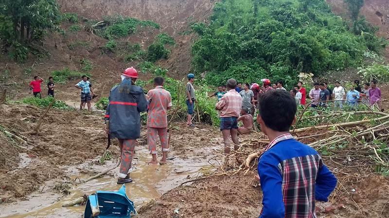 The deaths in landslides Bangladesh rose to 125