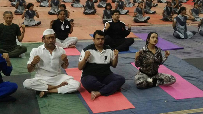 B-Town celebrities celebrate International Yoga Day