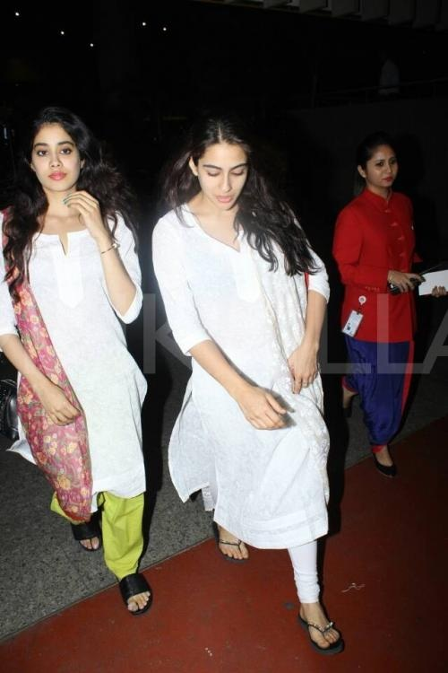 Sara Ali Khan and Jhanvi Kapoor are recently twinning together