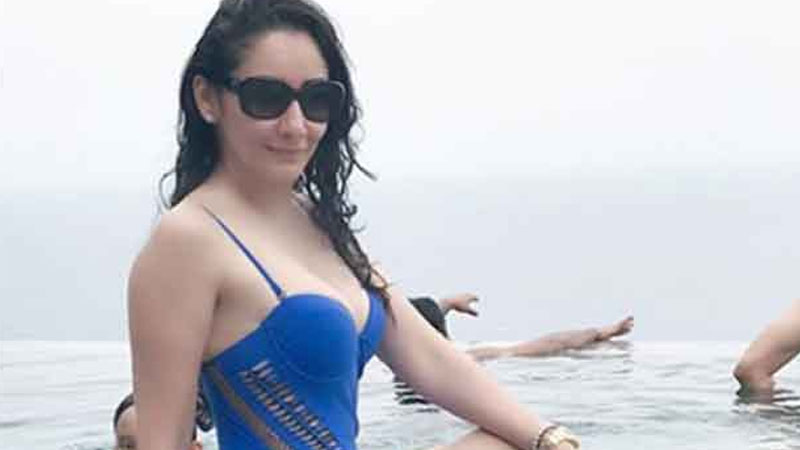 Stunning Manyata Dutt in Swimsuit