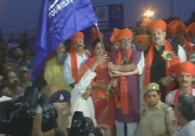 Amarnath Yatra 2017:First batch of 2,280 pilgrims leaves Jammu for Amarnath