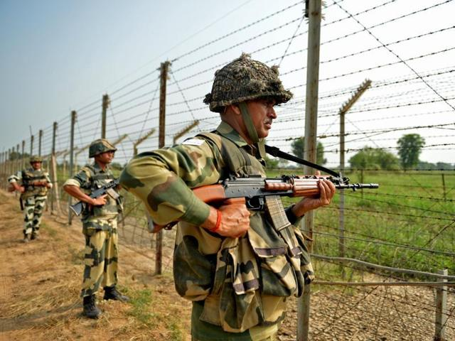 Jammu and Kashmir: Pakistan violates ceasefire onLine of Control in Poonch