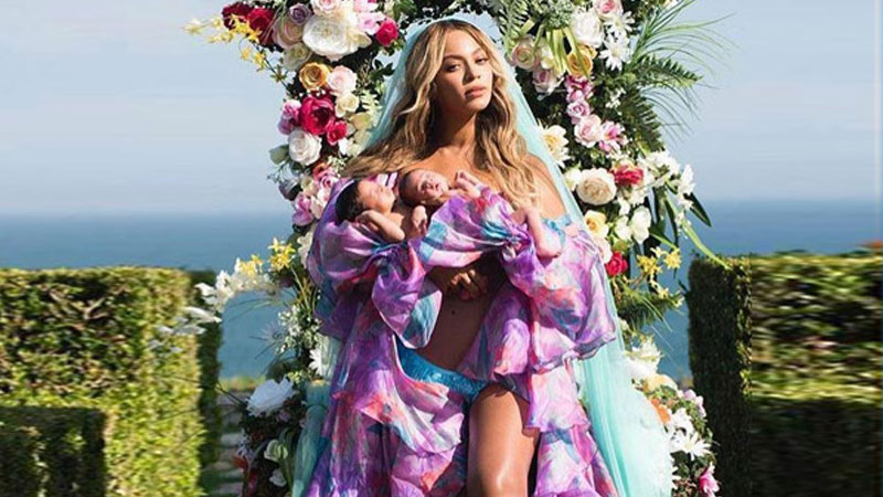 Beyonce Knowles introduces twins over social media
