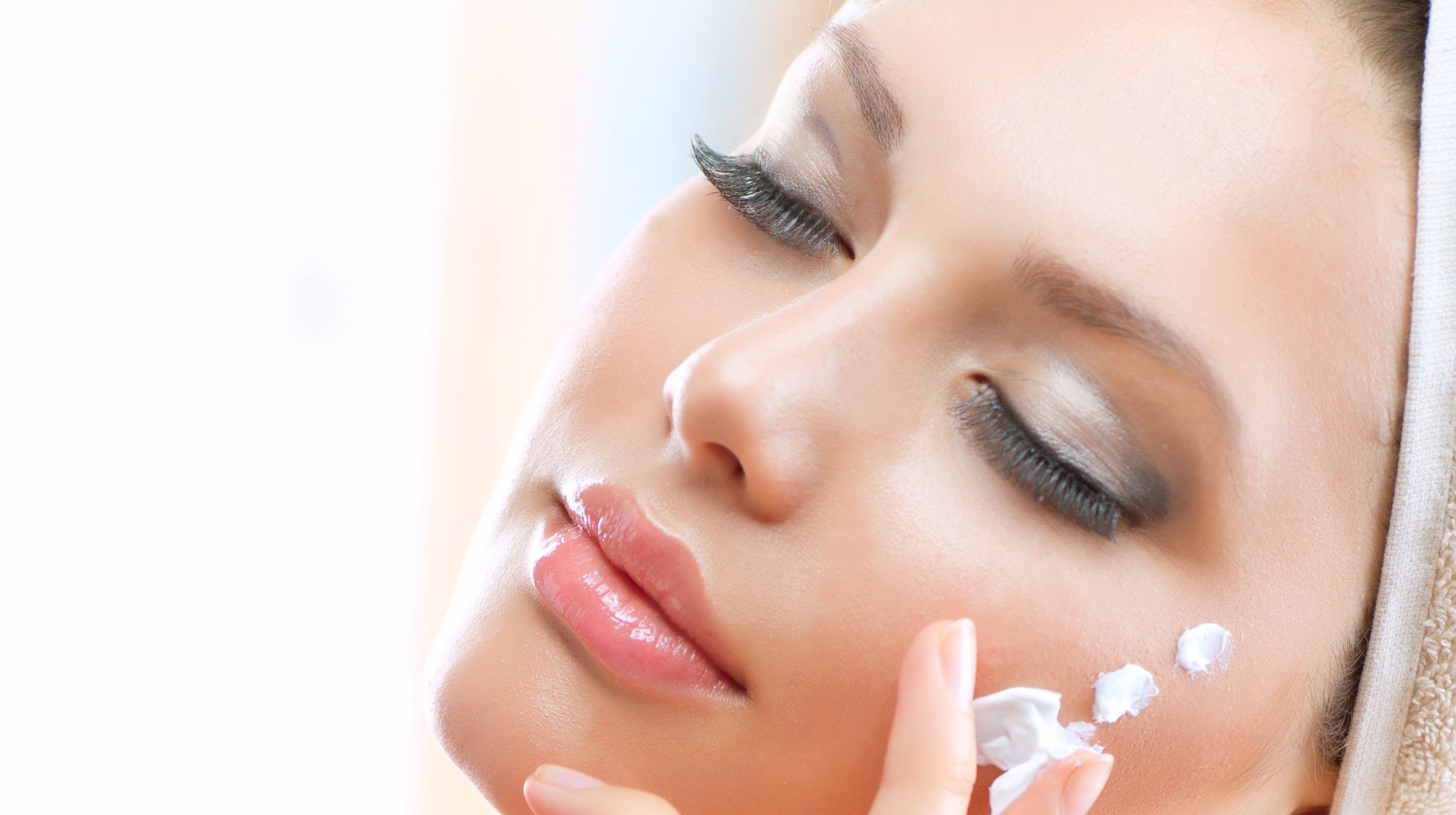 Tips to keep in mind before going for facial rejuvenation