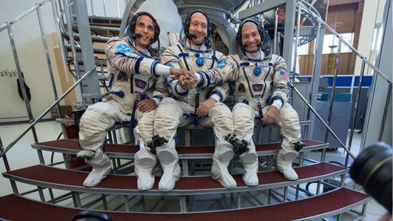 NASA's Mark Vande Hei, Joe Acaba and Alexander Misurkin arrive at ISS