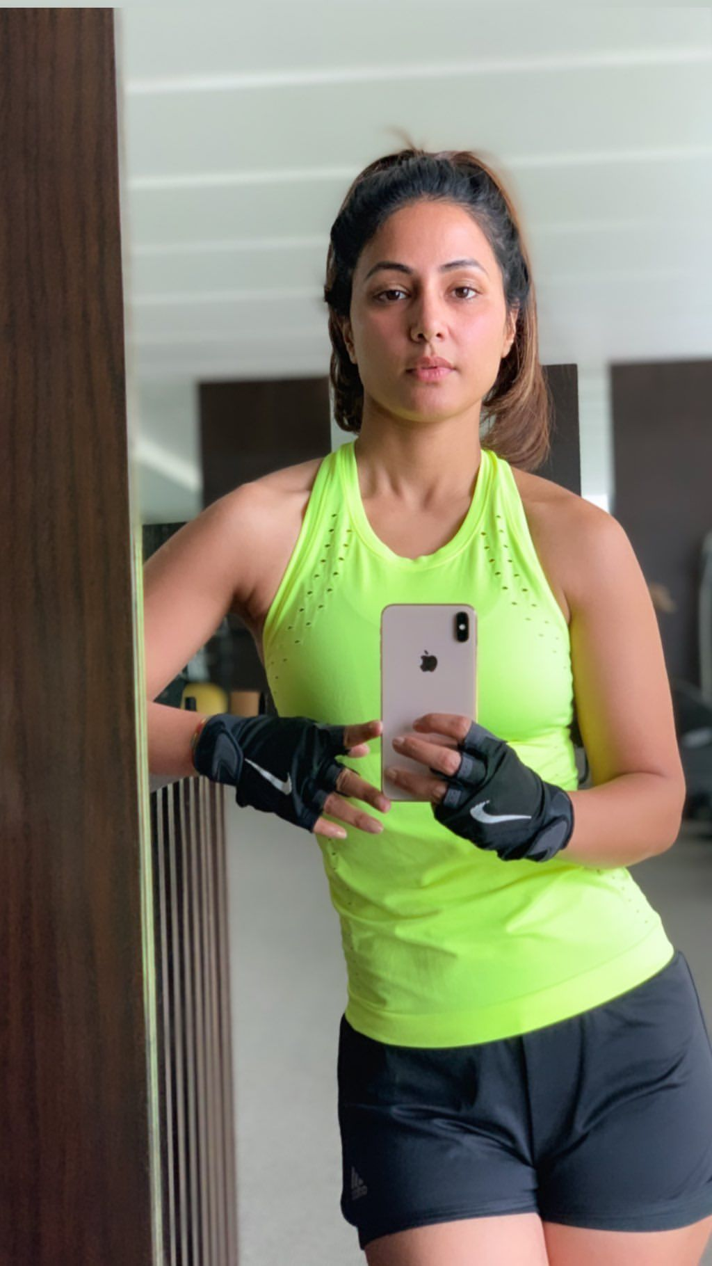 Hina Khan in mirror selfie at the gym