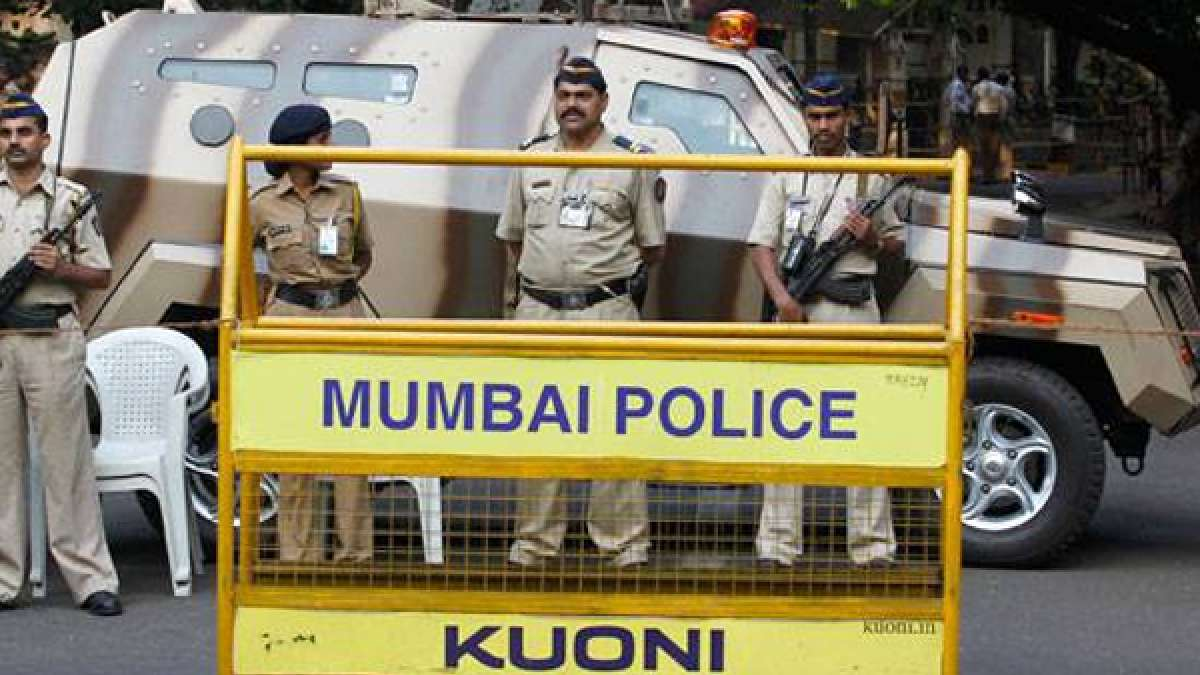 Mumbai Police with barricading (representational image)