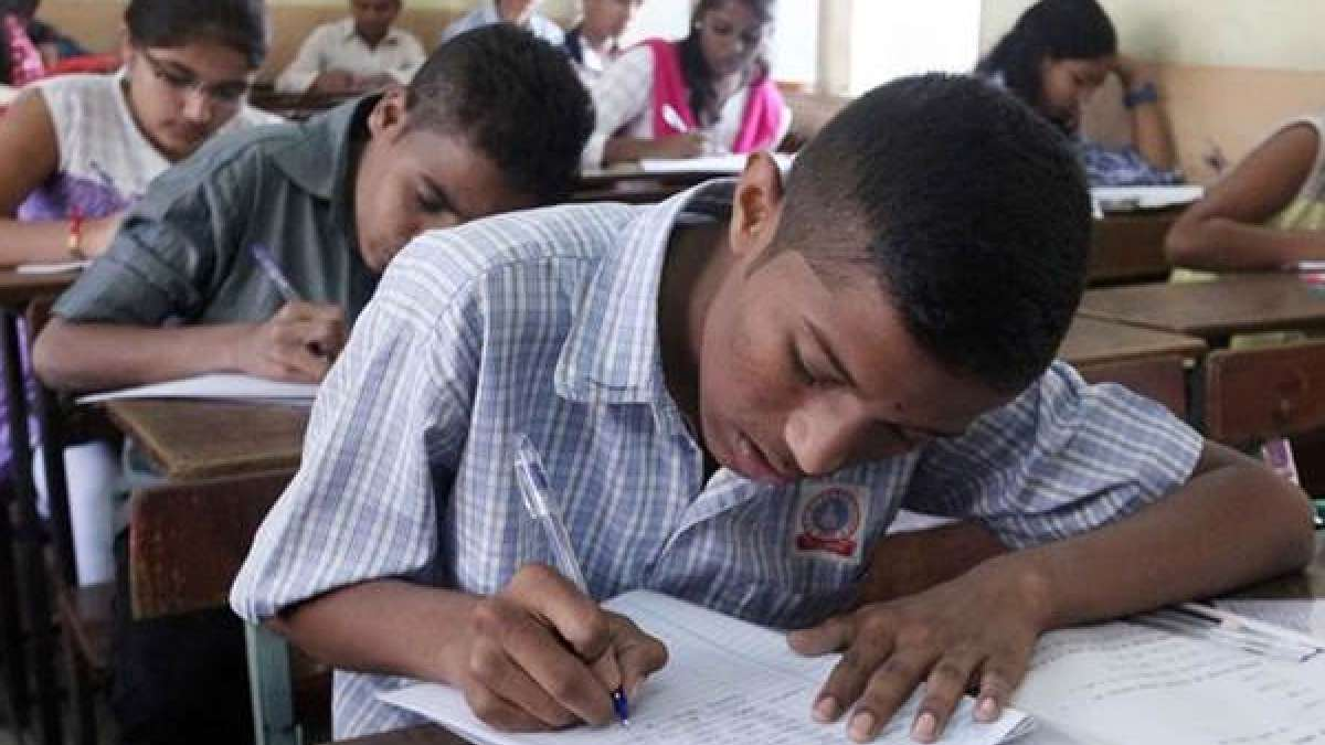 Students appearing for an exam in school