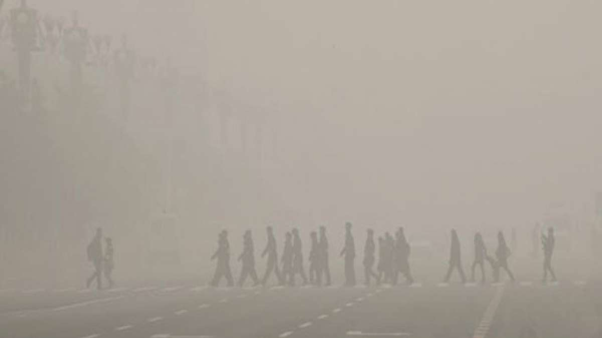 A smoggy day in Delhi.