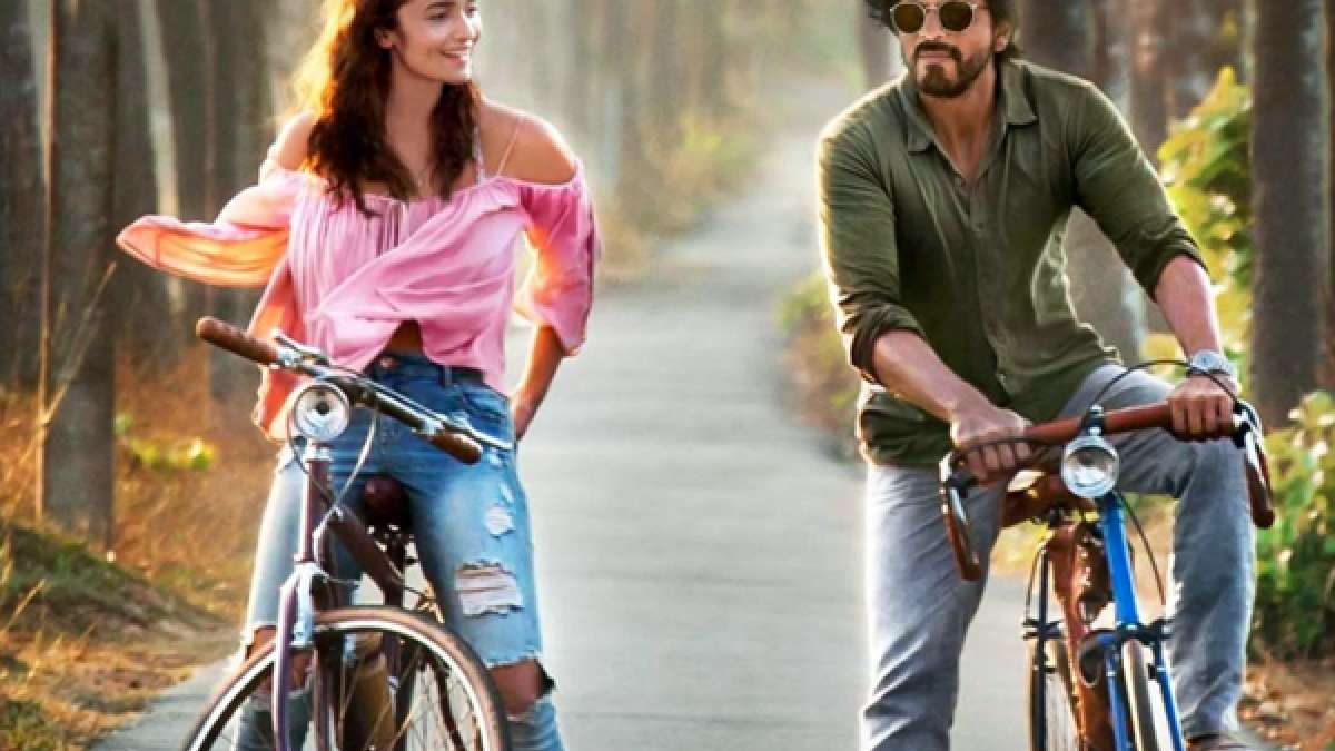 Shah Rukh Khan and Alia Bhatt in 'Dear Zindagi' poster