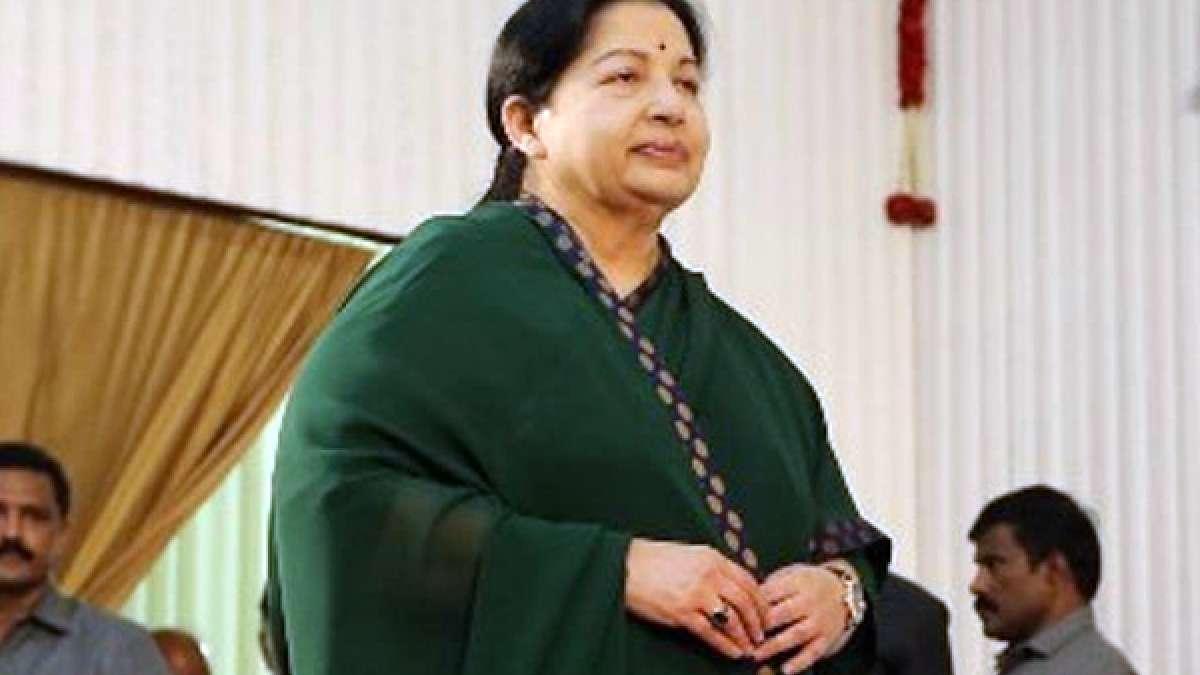 Tamil Nadu Chief Minister Jayalalithaa suffers cardiac arrest