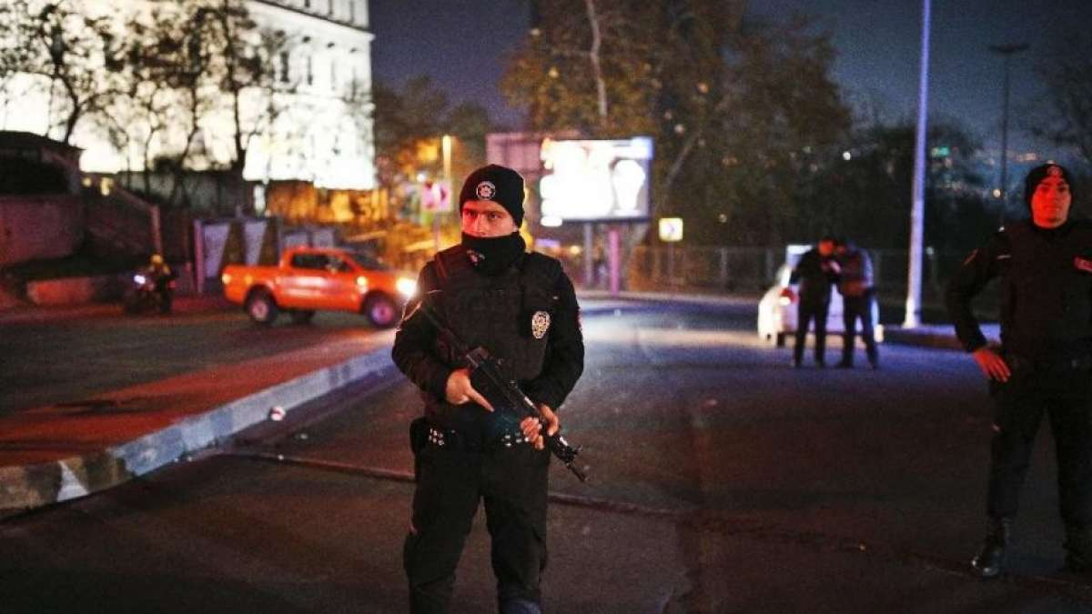 Turkey attack: At least 38 killed in suspected car bomb in Istanbul,150 wounded