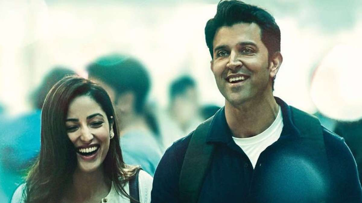 Hrithik Yami in Kaabil Poster