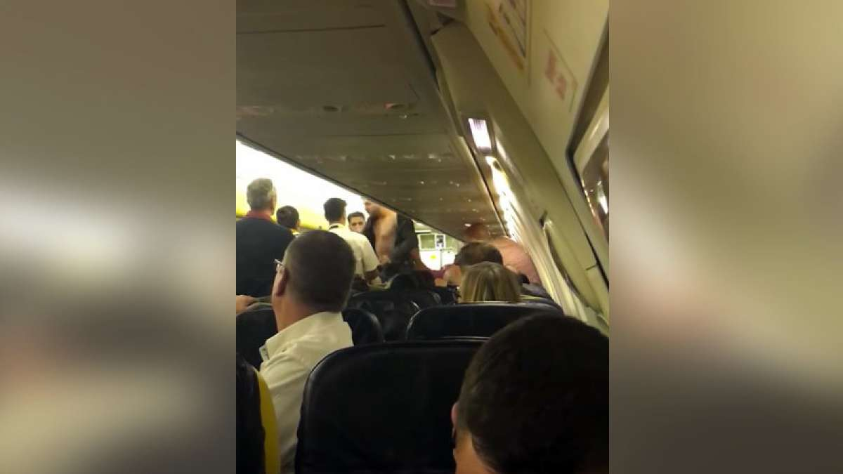 Emergency landing due to scuffle on plane