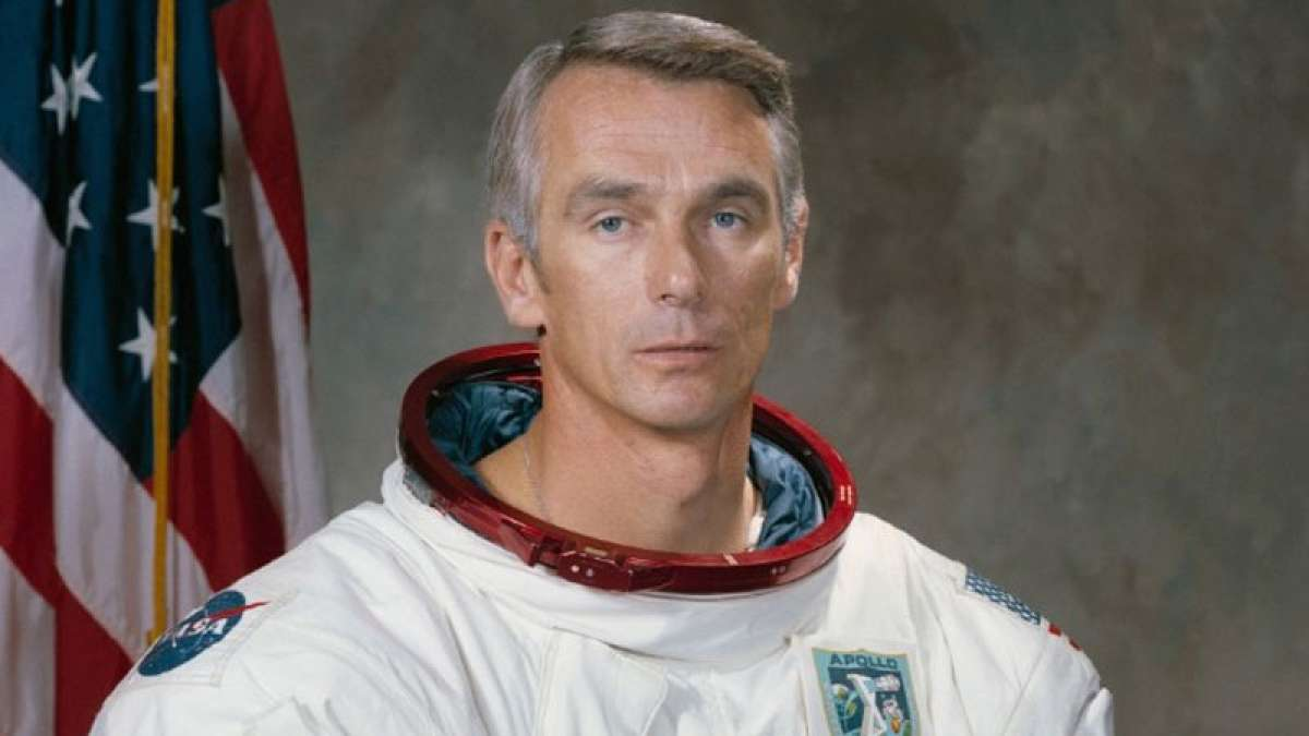 Eugene Cernan, last man to walk on moon, passed away