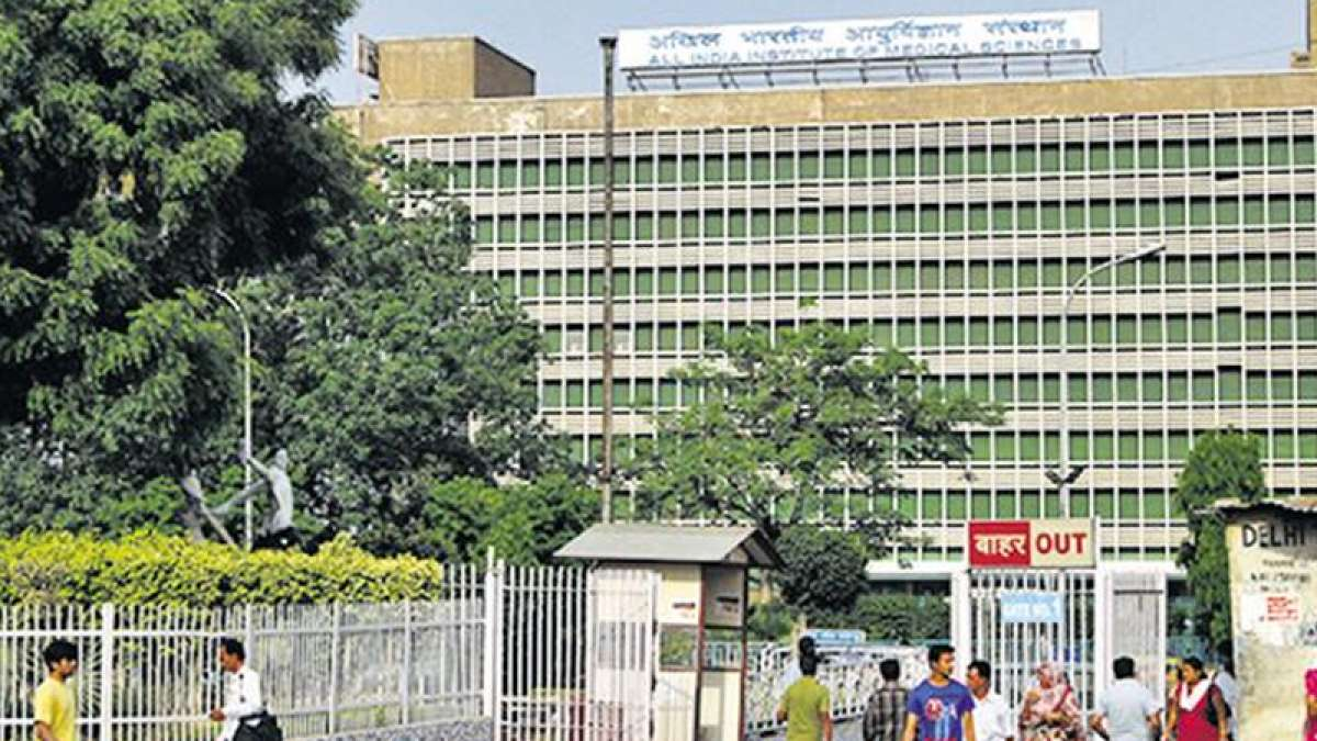 500 AIIMS nurses go on strike in Delhi