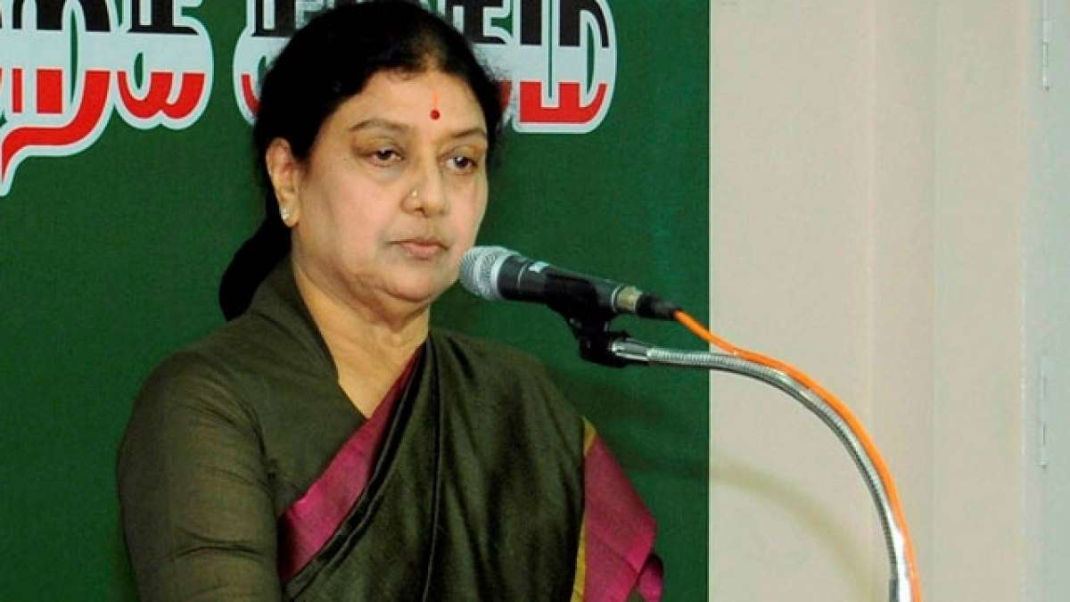 Tamil Nadu Political Crisis: Can't be scared due to being a woman, says Sasikala