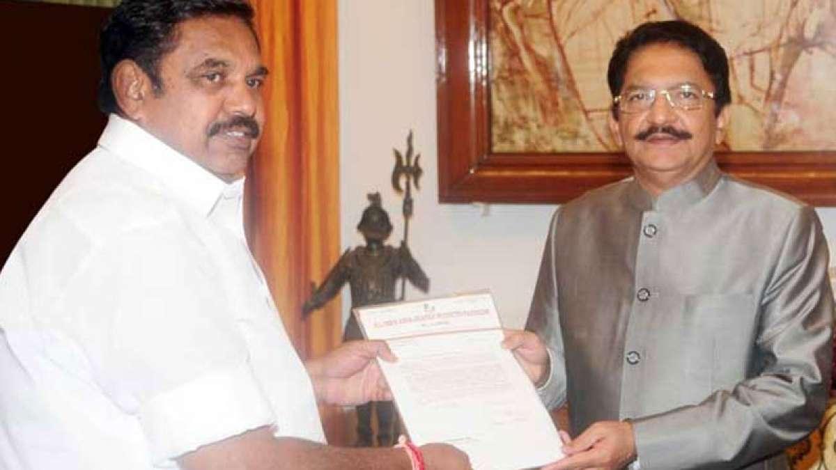 Governor Vidyasagar Rao likely to invite Sasikala loyalist E Palanisamy to claim stake to form government