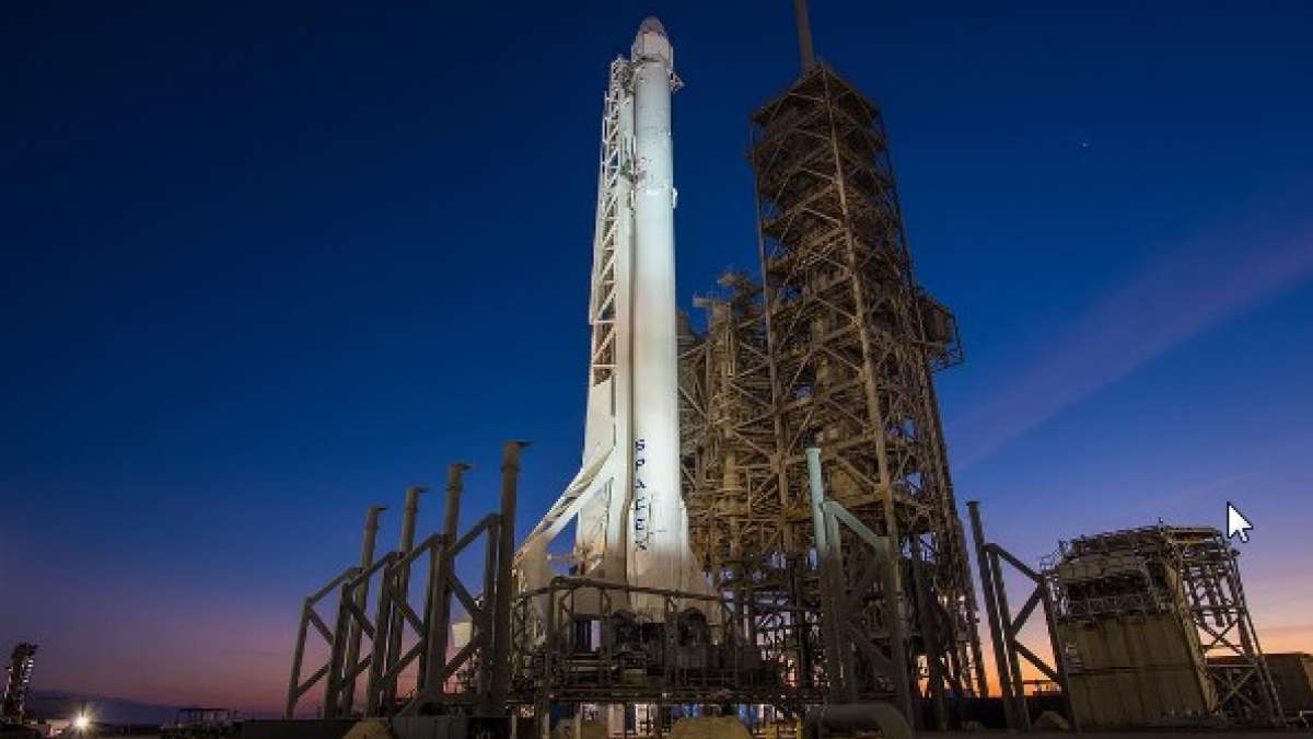 SpaceX set to fly first cargo from historic Apollo launch pad