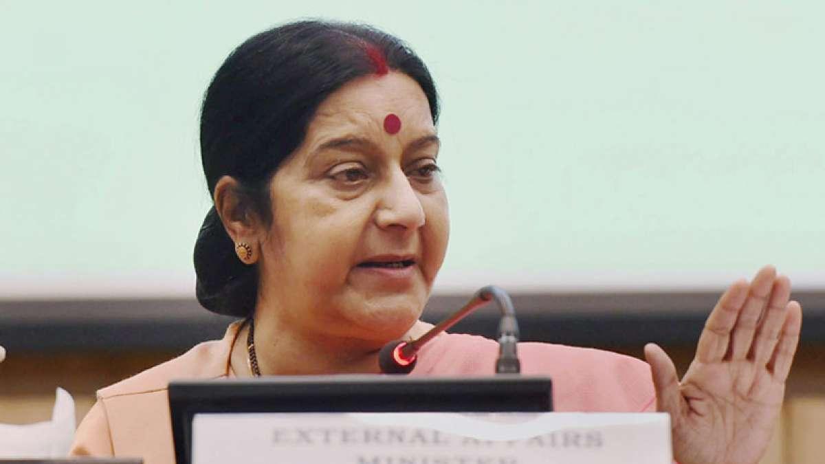 Sushma Swaraj helps Indian woman in distress in Pakistan