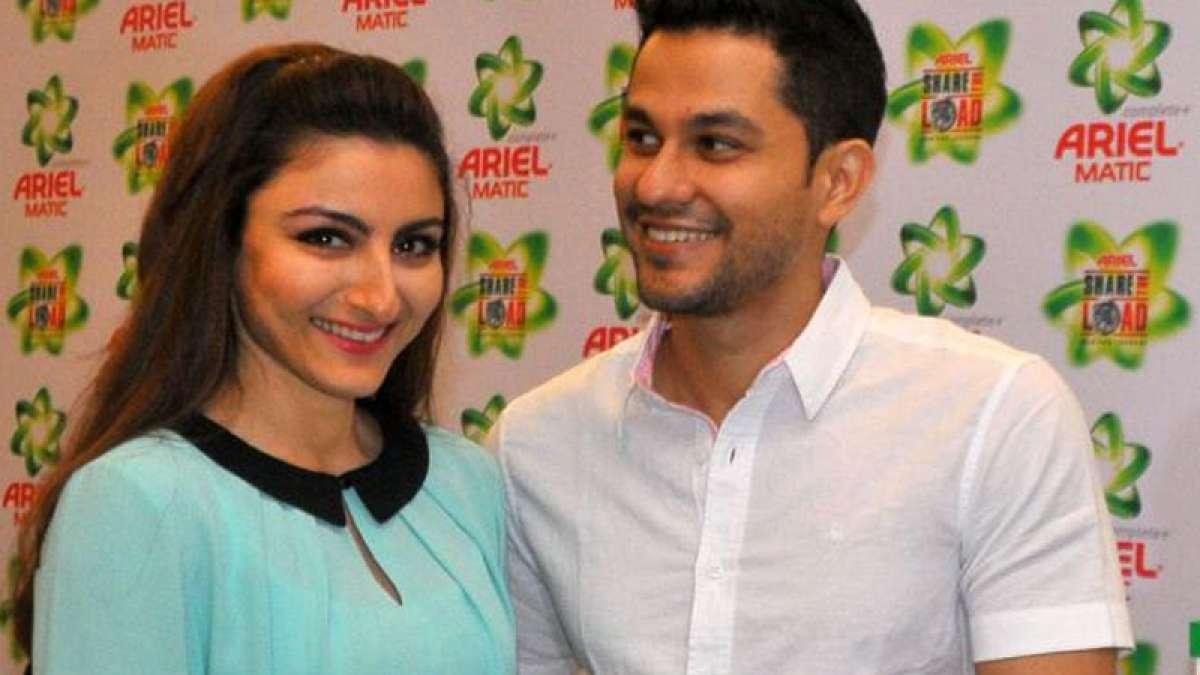 Actor Soha Ali Khan with husband Kunal Khemu