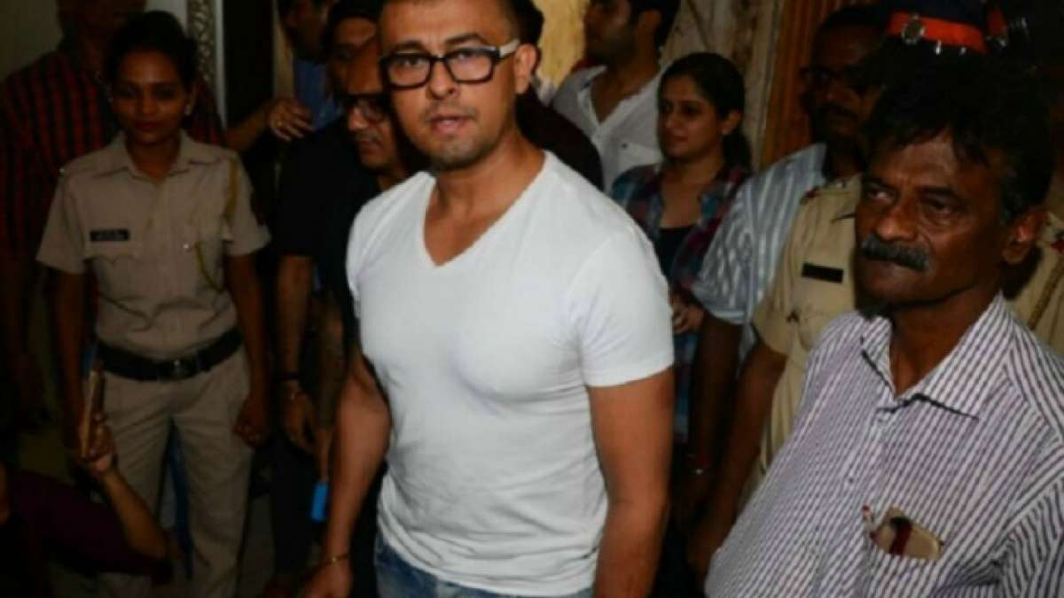 Watch video: Sonu Nigam now posts video of an 'azaan' on Twitter after week-long controversy