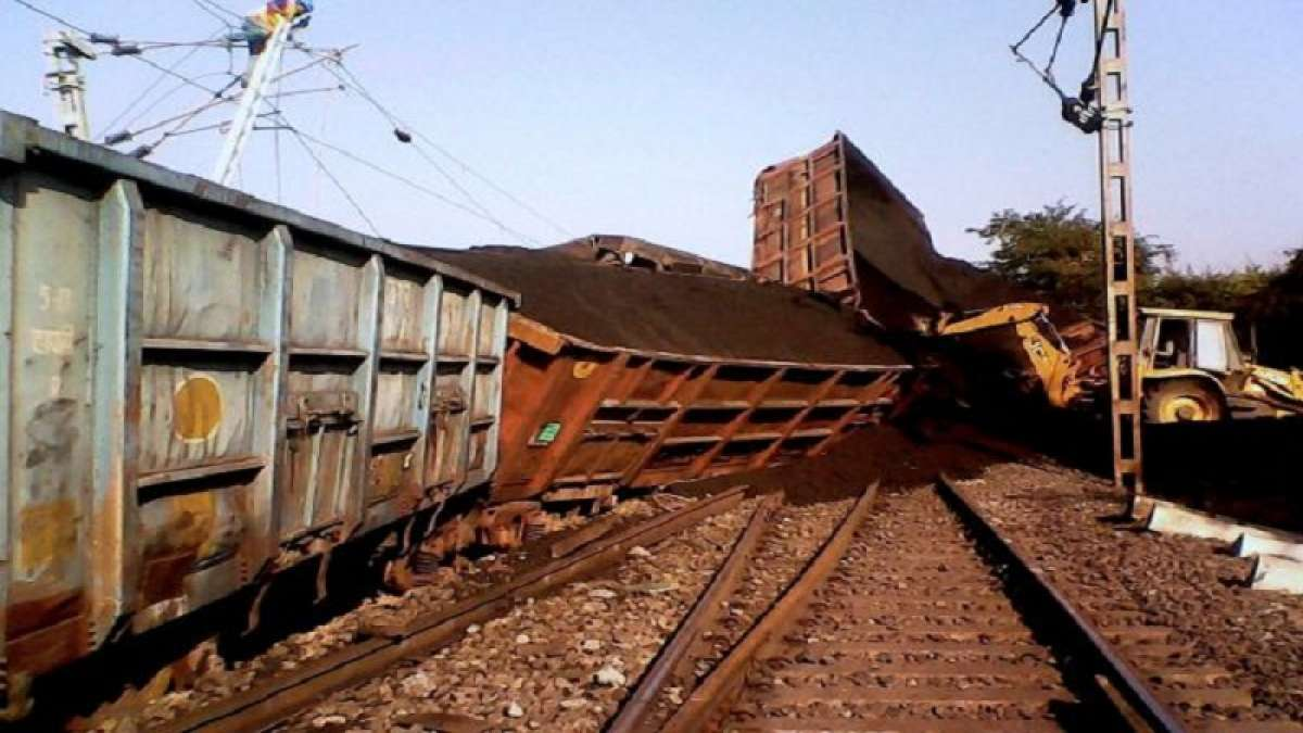 At least eight coaches and the engine of a goods train derailed in Maharashtra