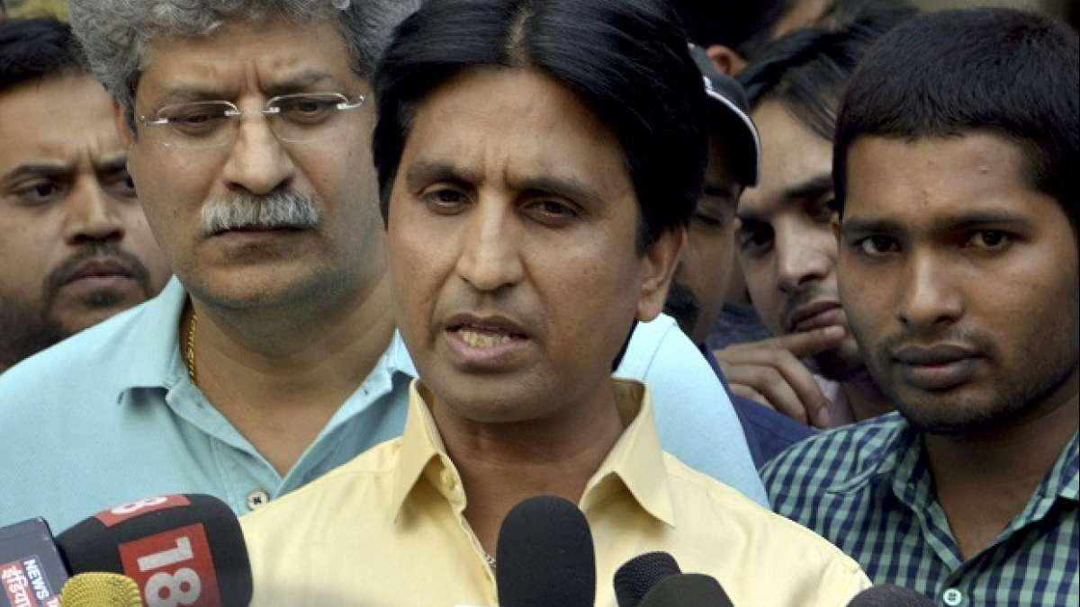 Rift in AAP: CM Arvind Kejriwal in damage control mode, reaches Kumar Vishwas's home