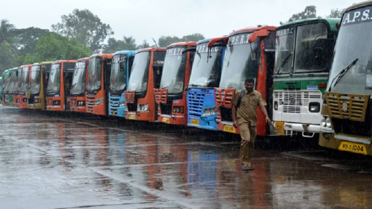 Thousands of commuters in Tmail Nadu were stranded on Monday