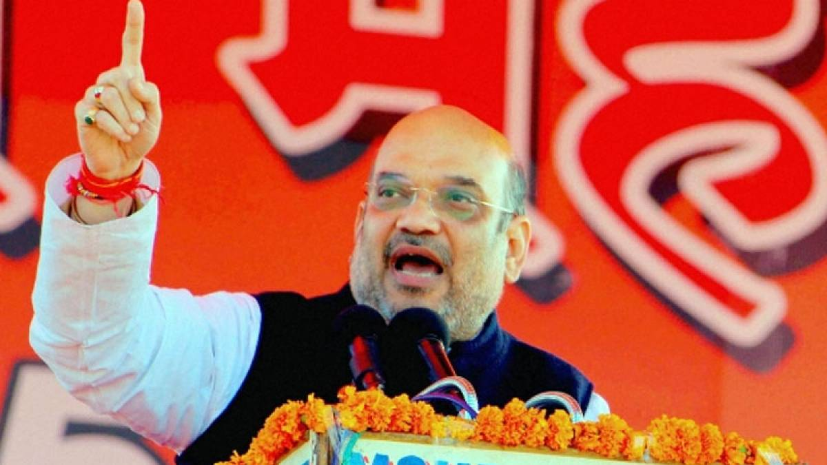 HC issues notices over Amit Shah's Goa airport meeting