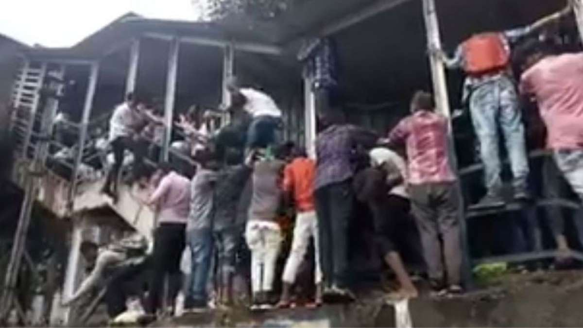 15 commuters die in Mumbai's Elphinstone railway station stampede