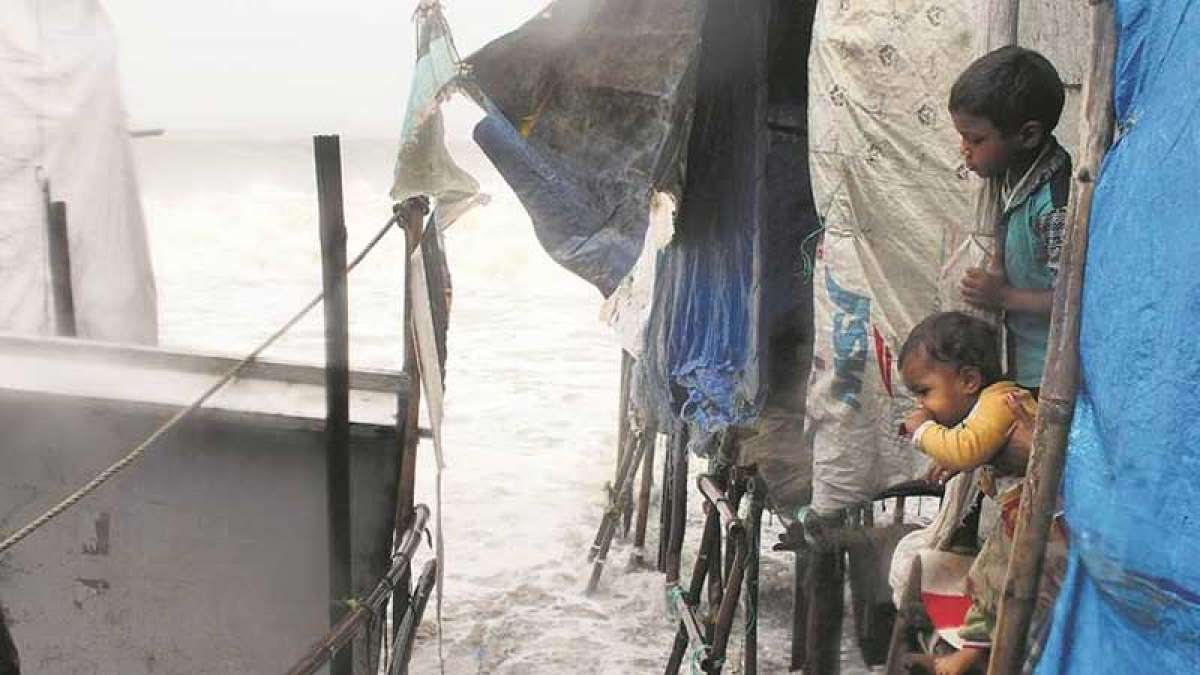 Cyclone Ockhi weakens, may not hit Gujarat: IMD