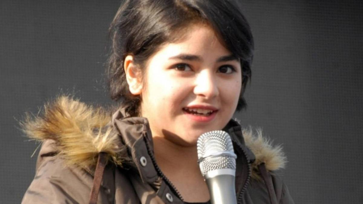 Women commissions urge Dangal girl Zaira Wasim to file police complaint