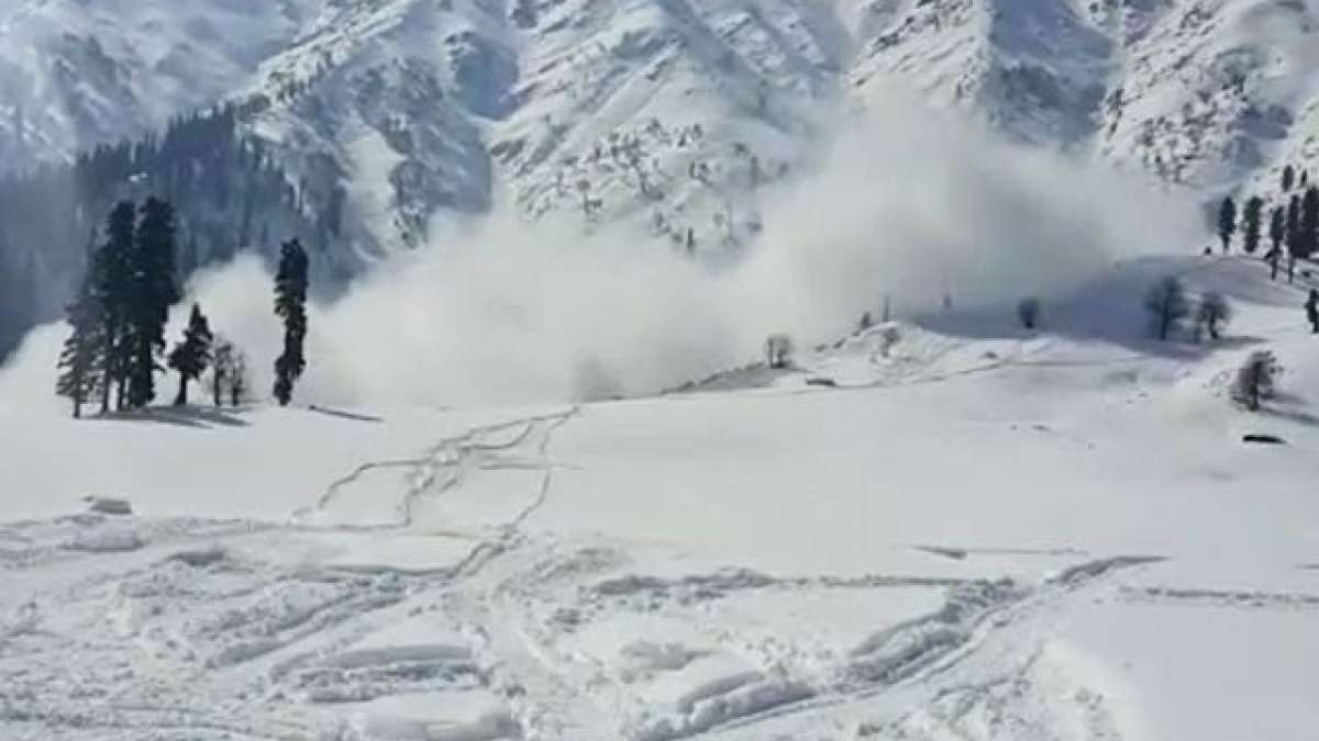 Bodies of Three soldiers missing in Jammu and Kashmir avalanche recovered