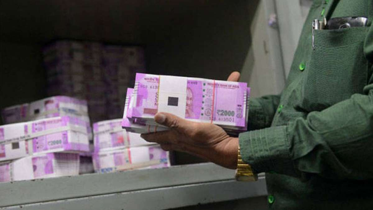 RBI may have consciously stopped printing Rs 2000 currency note: SBI Report