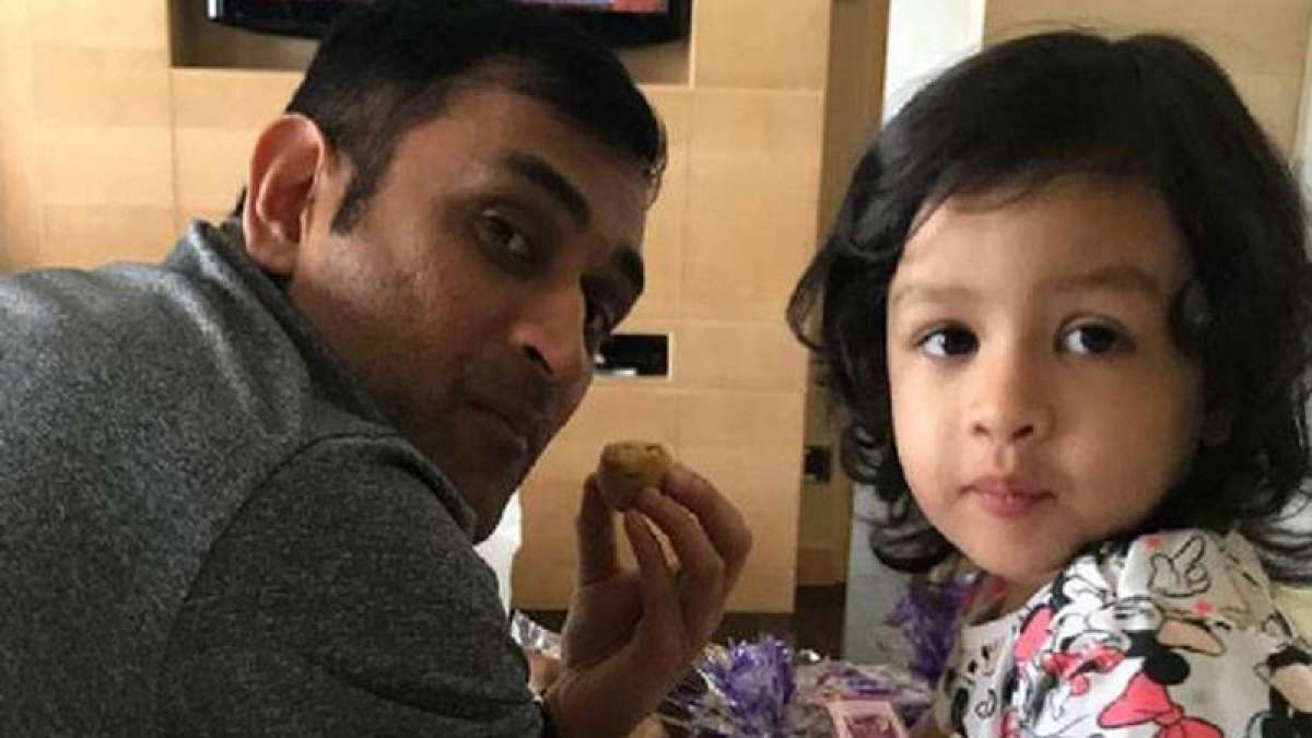 MS Dhoni's daughter Ziva singing Merry Christmas song is the cutest viral video on internet